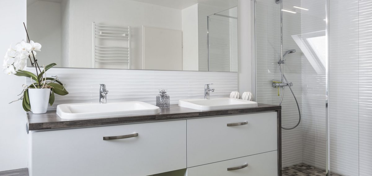 salle-de-bains-stratifie-blanche-1