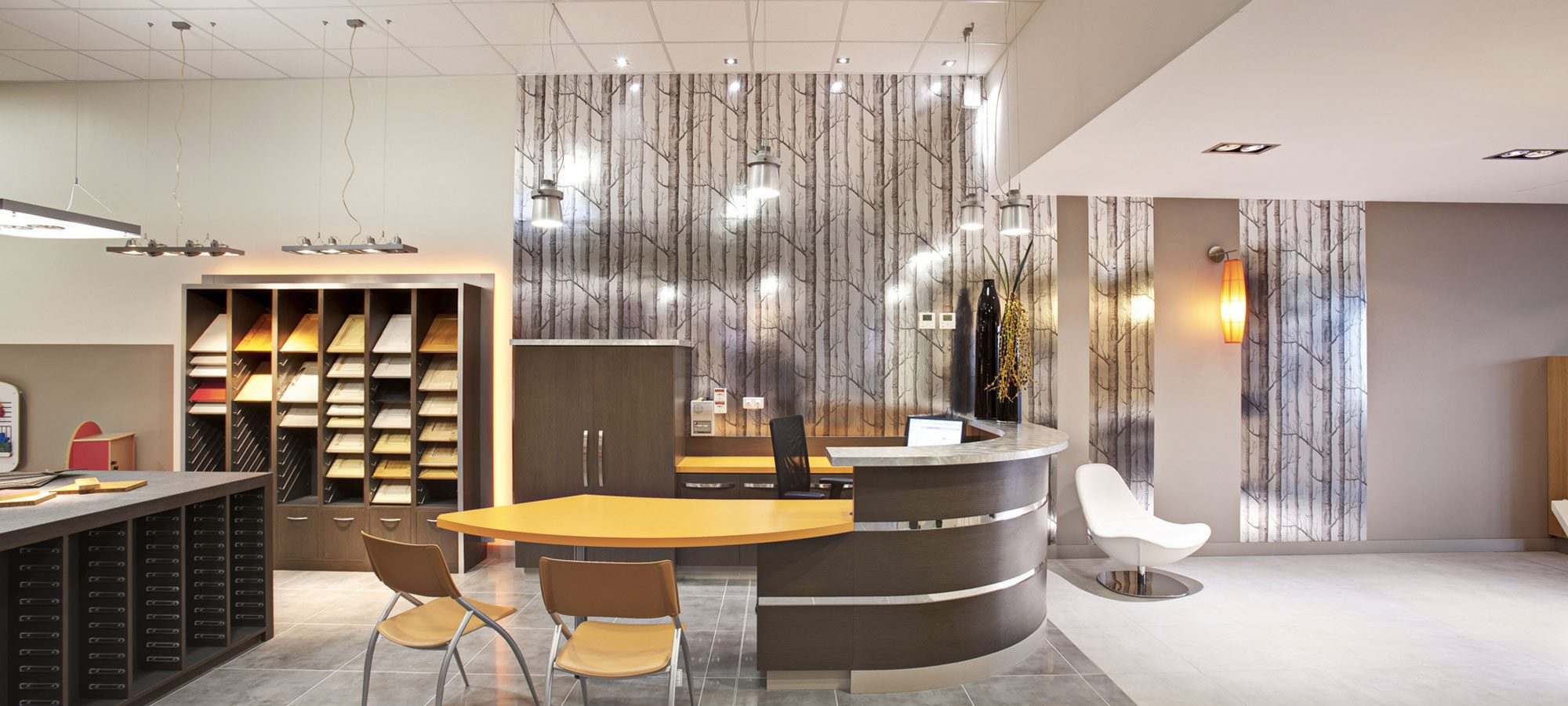 banque-accueil-magasin